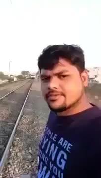 Treni bir dokunuşla raylardan çıkarttı :D